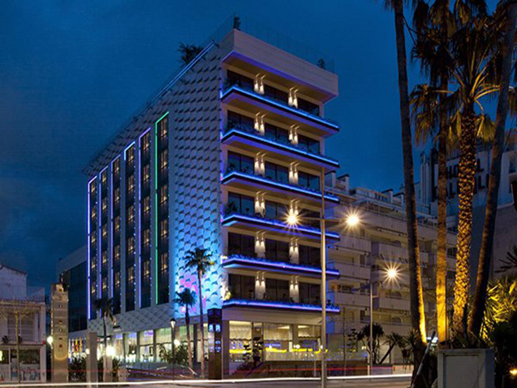 El pasado 8 de octubre de 2018 añadimos un nuevo Hotel Cardioprotegido a la lista de hoteles que han confiado en CARDIOPAS para cardioproteger a sus clientes y colaboradores: el… Leer más